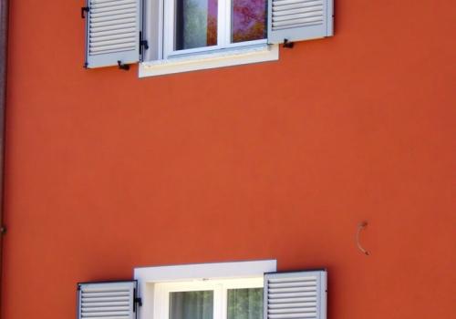 Finestra alla piemontese con persiana a murare